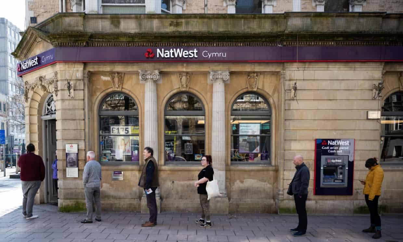 Jaanuaris alanes Suurbritannias tarbimislaenu andmine Inglismaa Panga uute blokeeringute tõttu